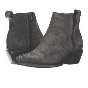 NWOT Frye Charcoal Sacha Moto Shortie Boot Size 6